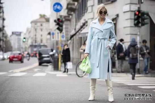 秋冬季节还是偏爱是大衣 不仅时髦显瘦 还很优雅