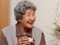老年人这样吃水果好处多
